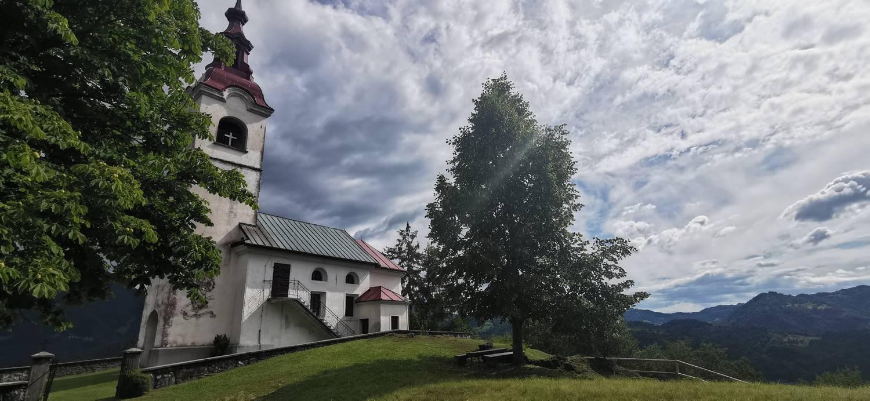Cerkev Svetega Ivana nad Divjimi babami prikazna slika